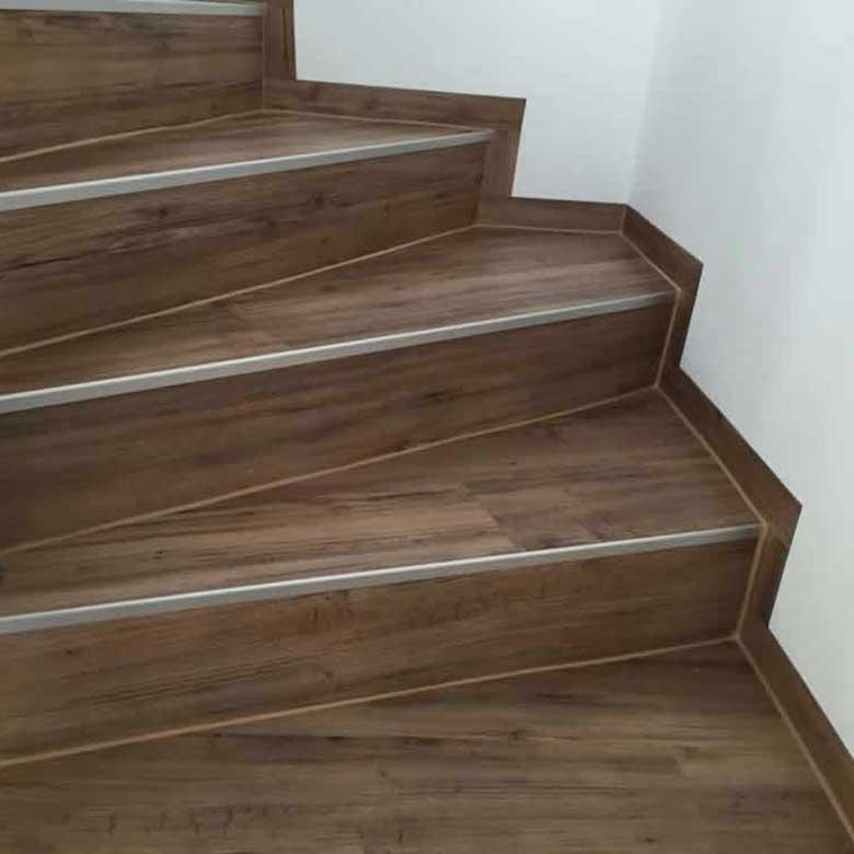 Laminat auf Treppe